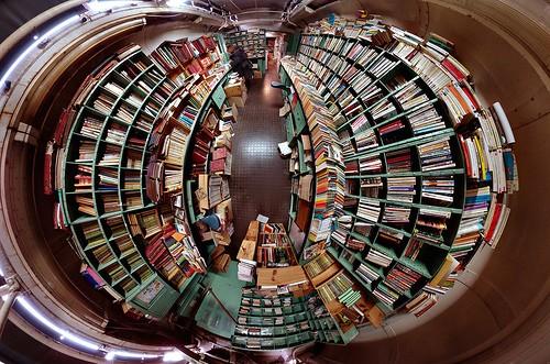 caverne aux livres.jpg