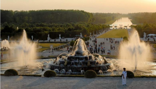 vnn-03-versailles-fountains.jpg