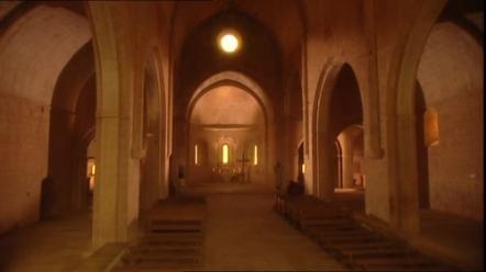 377005600-abbaye-du-thoronet-le-thoronet-architecture-cistercienne-12e-siecle.jpg