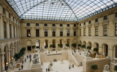 paris-musee-louvre-cour-marly.jpg