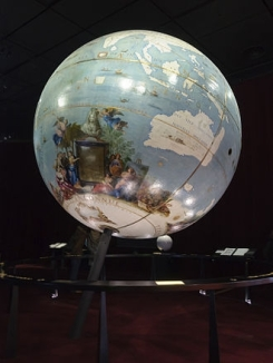 330px-Coronelli_globe_terrestre.jpg