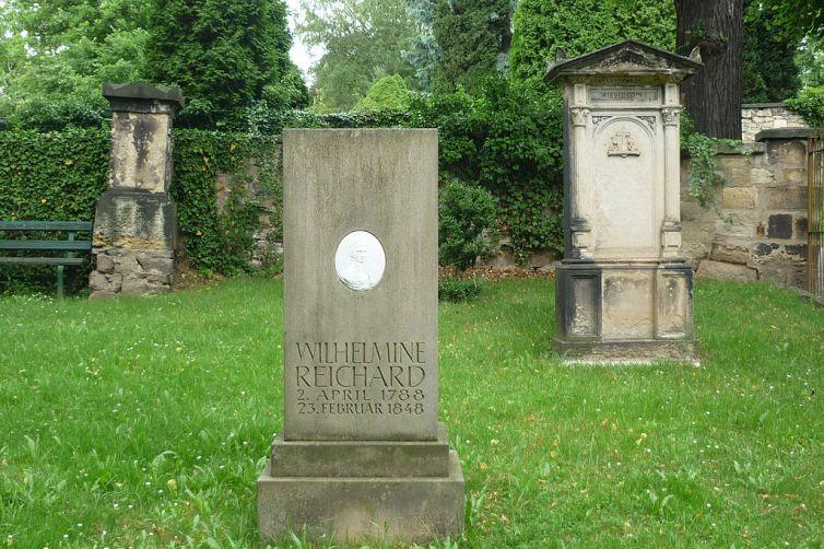 Grabmal-Wilhelmine-Reichard