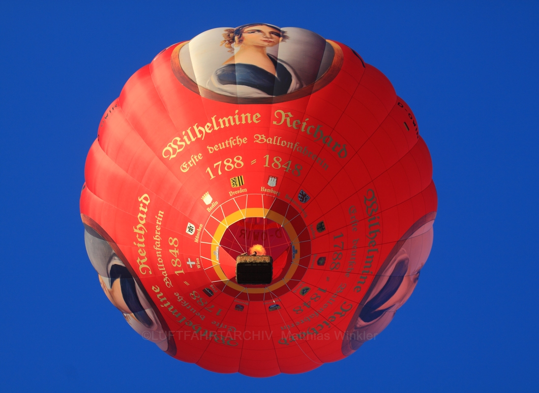 wlihelmine-reichard-erste-deutsche-ballonfahrerin-b0950983-2644-413c-9fa1-7af401e2dcaa